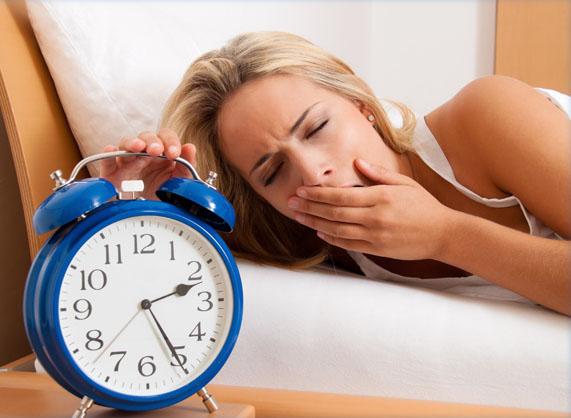 yawning-with-clock